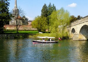 electric hire boat in Wallingford